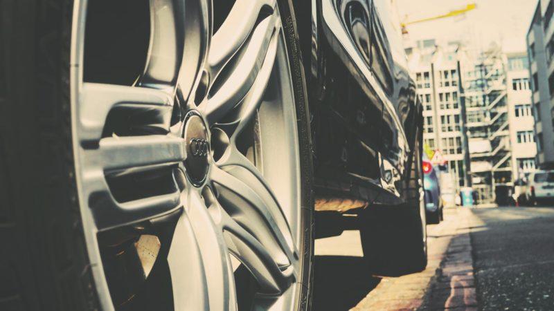 Całkowite zniszczenie lub kradzież pojazdu a leasing